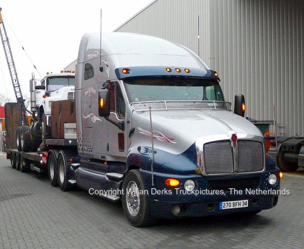 Kenworth t2000 montpellier france american trucks for Camion americain interieur
