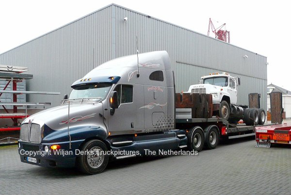 kenworth t2000 montpellier france american trucks camions us. Black Bedroom Furniture Sets. Home Design Ideas