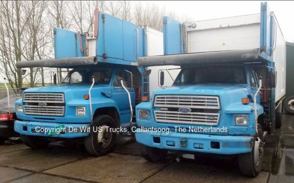 Fords F700 with 5,80 meter lift system for sale at De Wit, Callantsoog, The Netherlands