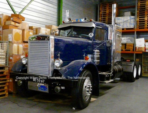For Sale: Peterbilt 281T from 1955 competely rebuilt and in perfect shape, The Netherlands