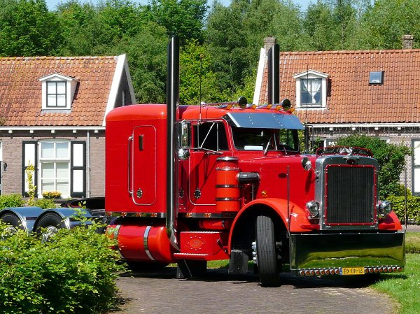 Peterbilt 359 Hoogervorst, Tuitjenhorn, The Netherlands