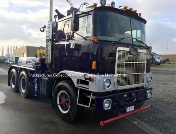 Mack FM700 Roberts Trucks, Villers le Bouillet, Belgium