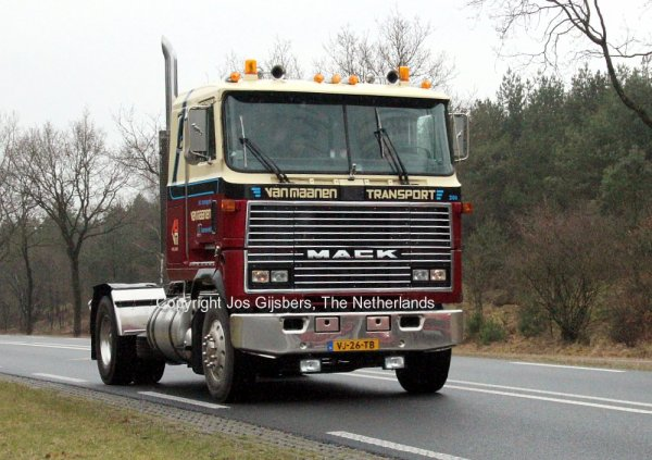 Mack Ultraliner Van Maanen, Barneveld, The Netherlands