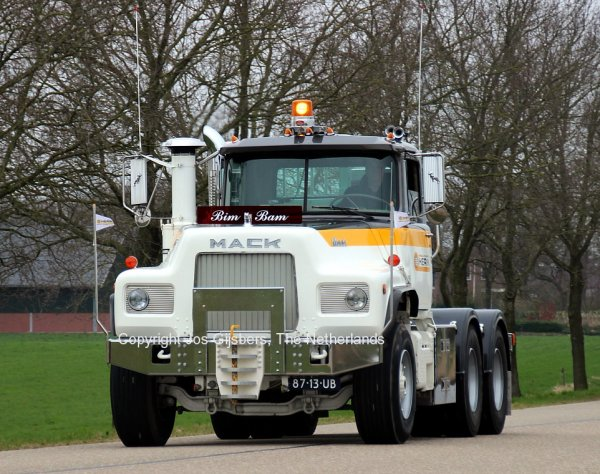 Mack DM600 Van den Herik, Amersfoort, The Netherlands