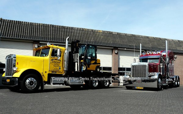 Freightliner Classic Veldman and Peterbilt 379 Van de Berkmortel at truckshow Milheeze, The Netherlands