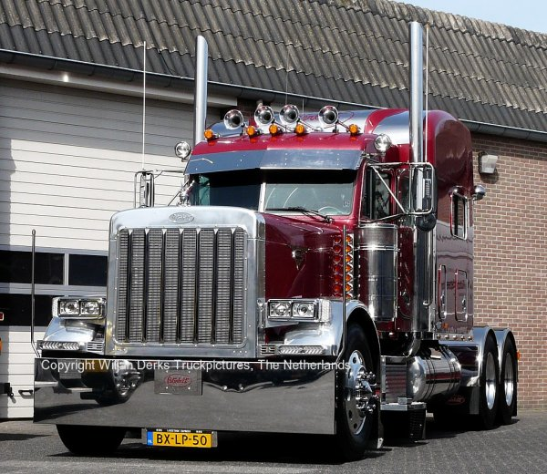 Peterbilt 379 Van den Berkmortel, Someren, The Netherlands
