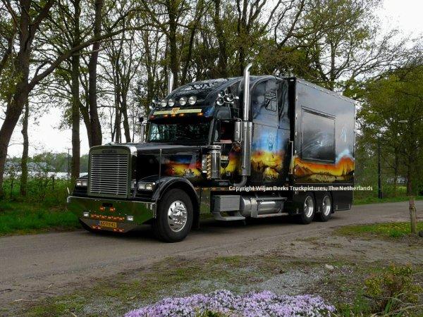 Freightliner Classic Van Hout, Someren-Eind, The Netherlands