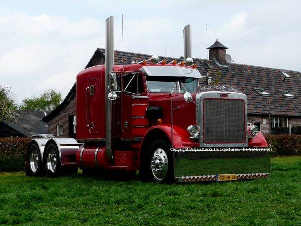 Peterbilt 359 Hoogervorst, Tuitjenhorn, The Netherlands