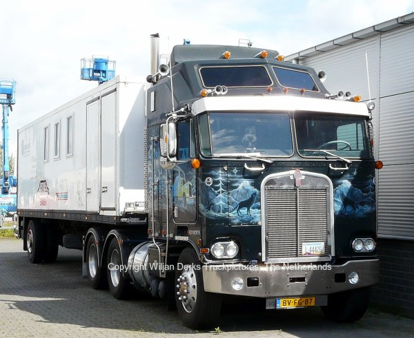 Kenworth K100A Aerodyne, Visser, Emmen, The Netherlands