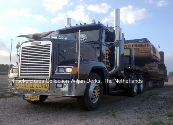 Freightliner FLD120 West Construction Equipment, Krabbendijke, The Netherlands