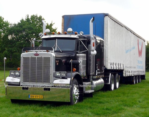 PenteCost Peterbilt 359, Veulen, The Netherlands