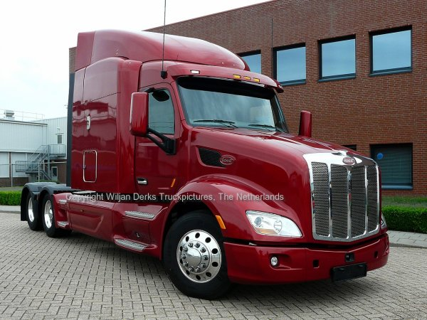 Peterbilt 579 Paccar DAF Demo with new MX Engine inside, Eindhoven, The Netherlands