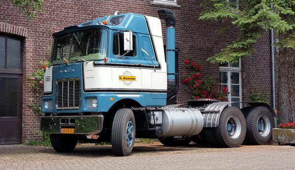 Mack F786ST Buurman, Den Haag, The Netherlands