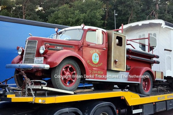 Mack Firetruck 1941 sold by Noordhuis Nieuwleusen, The Netherlands