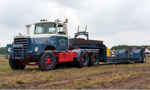 Mack DM600 Caron, Den Hout, The Netherlands