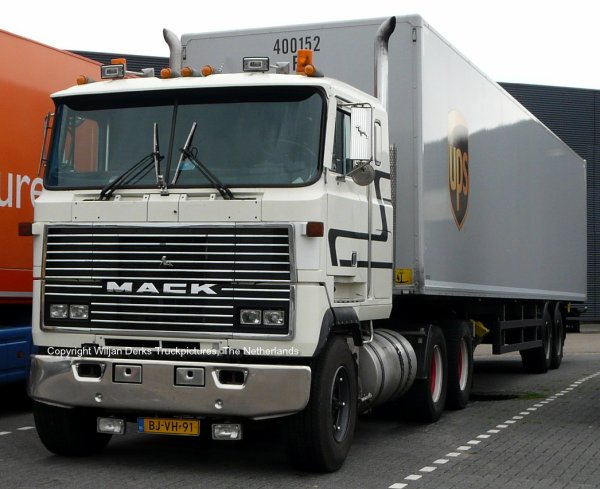 Mack Ultraliner Hennige, Eindhoven, The Netherlands