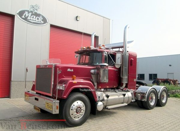 Mack Superliner KFM Trading, Leek, The Netherlands
