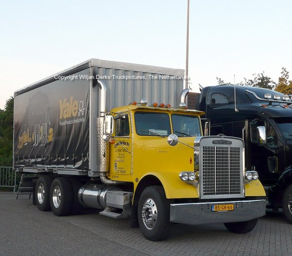 Freightliner Classic Veldman, Bakel, The Netherlands at Mackday 2015