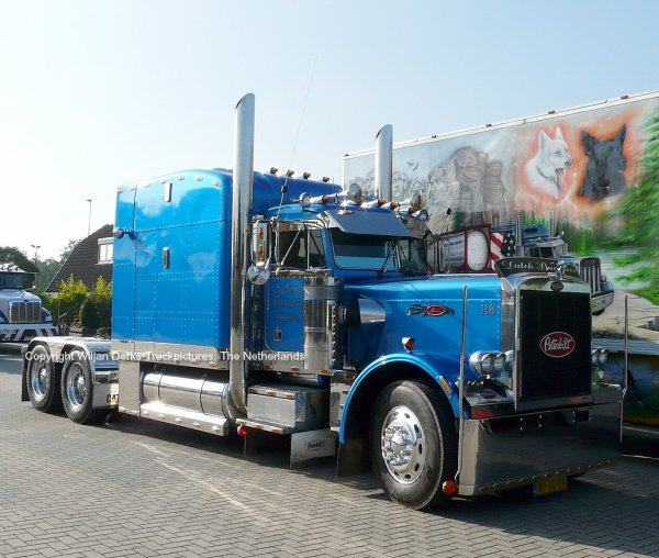 Peterbilt 359 Welleman, Goes, The Netherlands at Mackday 2015