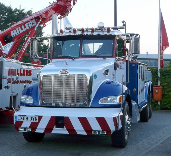 Peterbilt AAA Rescue United Kingdom at Mackday 2015