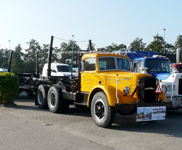 Mack NR Gaffert, Veghel, The Netherlands at Mackday 2015