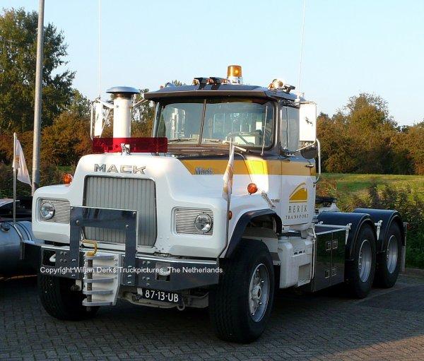 Mack DM600 Van den Herik, Nederhorst den Berg, The Netherlands at Mackday 2015