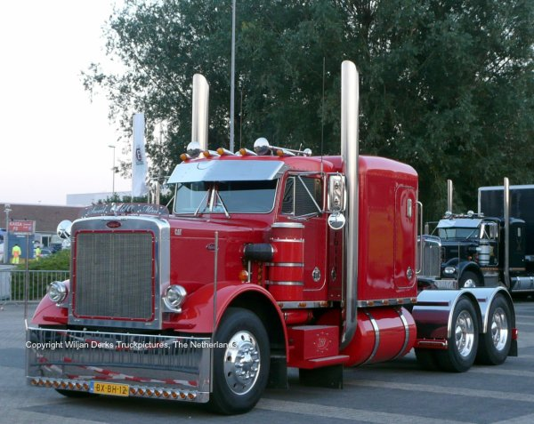 Peterbilt 359 Hoogervorst, Tuitjenhorn, The Netherlands at Mackday 2015