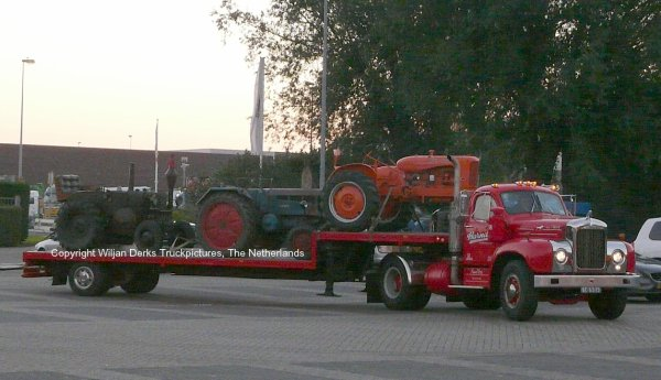 Mack B67 Vos, Blaricum, The Netherlands at Mackday 2015