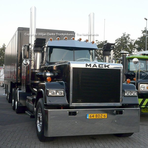 Mack Superliner Hardenberg, Stadskanaal, The Netherlands at Mackday 2015