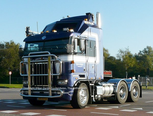 Kenworth K100 Aerodyne Frans de Bruijn, Kruisland, The Netherlands at Mackday 2015