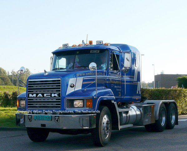 Mack CH613 Smilda, Nieuw Roden, The Netherlands at Mackday 2015