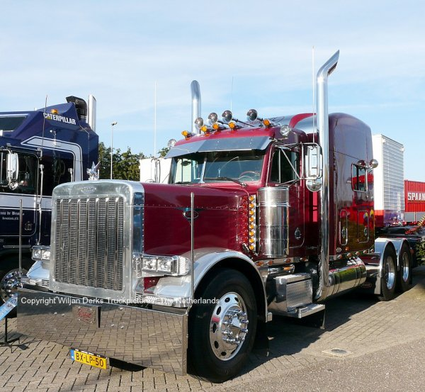 Peterbilt 379 Van den Berkmortel, Someren, The Netherlands at Mackday 2015