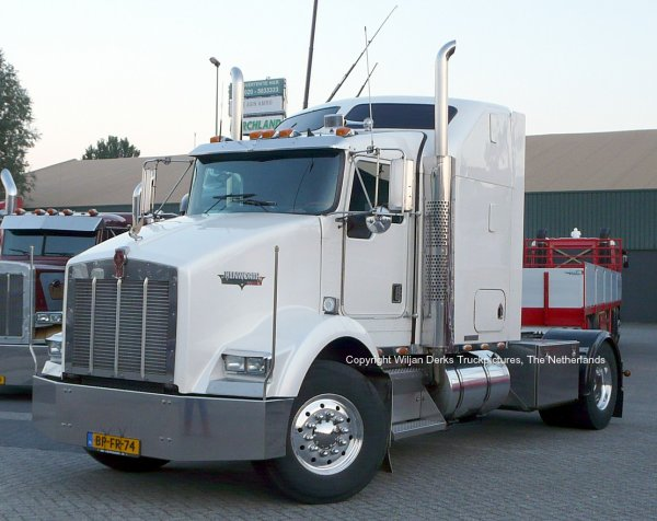 Kenworth T800 De Wit American Trucks, Callantsoog, The Netherlands at Mackday 2015