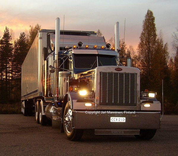 Peterbilt 359 and Great Dane trailer Manninen, Finland
