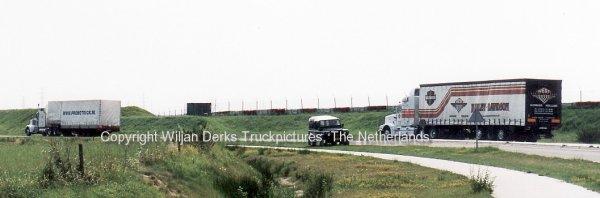 Peterbilt 377 Bruinsma, Sint Annaparochie, The Netherlands
