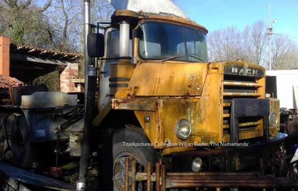 Mack DM600 Pomarez, France