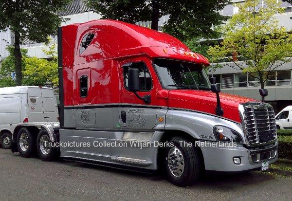 Freightliner Cascadia Test truck, Stuttgart, Germany