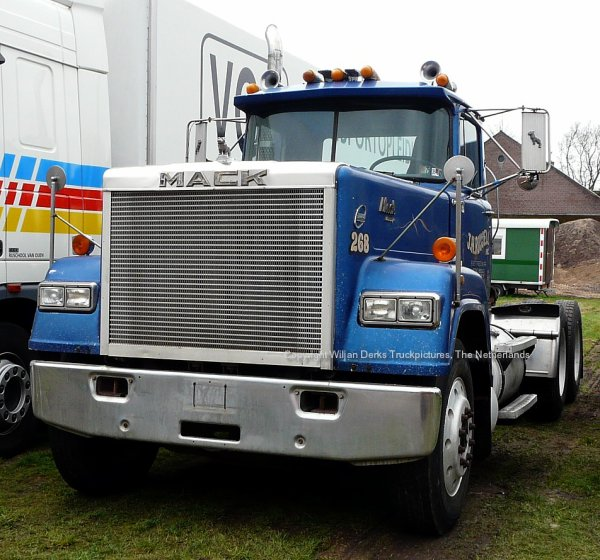 Mack Superliner Hendriks Steijl, The Netherlands