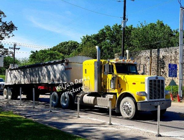 Peterbilt 389 G&J Trucking,  Buda, Texas,  USA