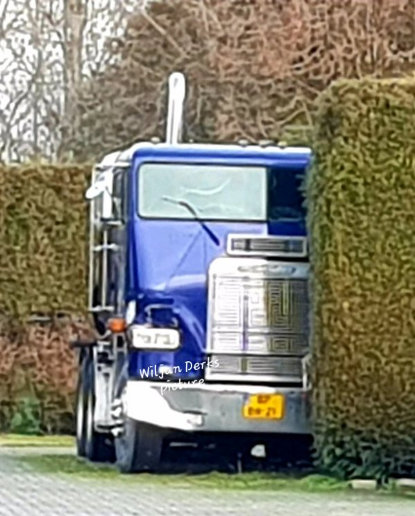 Freightliner COE HD Cars