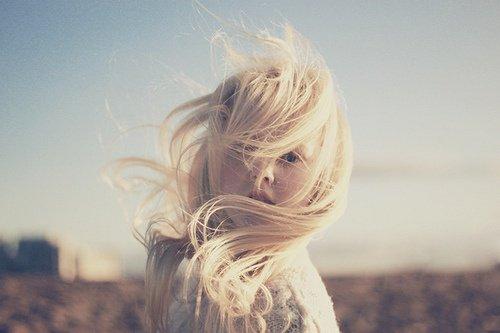 « Je crois bien que c'est ça le vrai amour : avoir l'impression d'être dans sa vie, pas à côté. Au bon endroit. Ne pas avoir besoin de se forcer, de se tortiller pour plaire à l'autre, rester comme on est.»