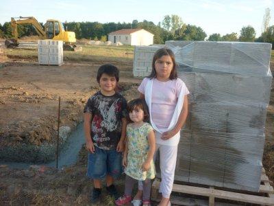 et les petites devent la future maison.......