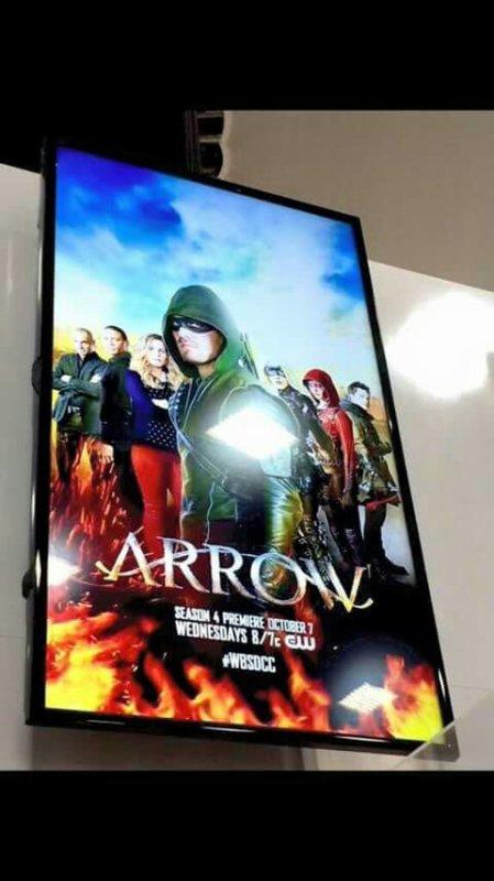 Arrow Saison 4 : Voici le poster présent à la Comic Con !