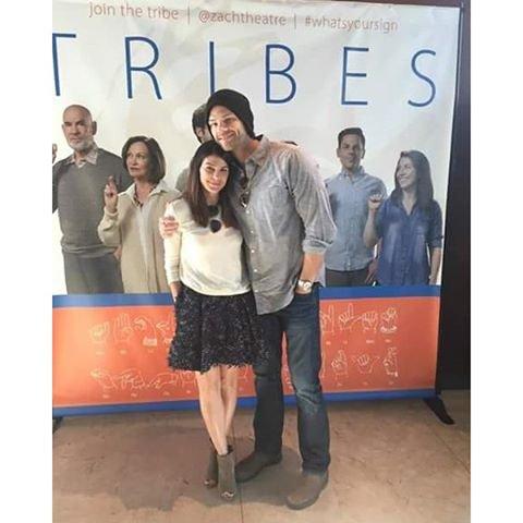 Jared et Geneviève Padalecki sont allés voir la pièce de théâtre « Tribes » à Austin , au Texas la nuit dernière