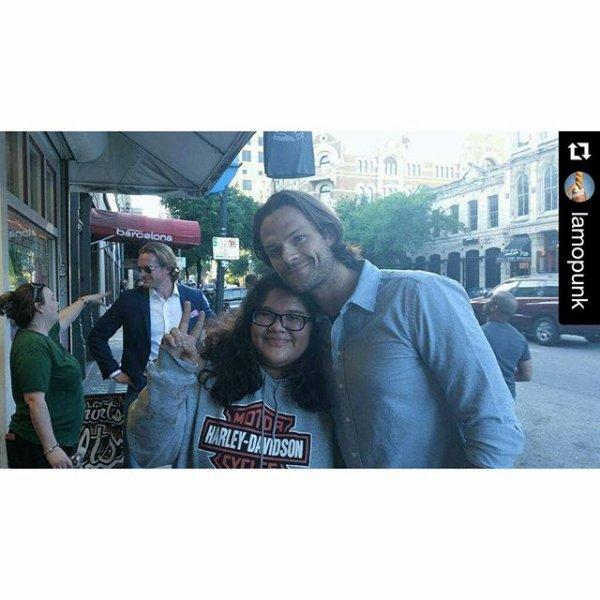 Jared était avec deux fans à Austin, avant hier