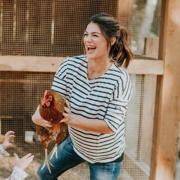 Voici quelques photos de Geneviève Padalecki qui va donner naissance à une petite fille au cours de ce mois
