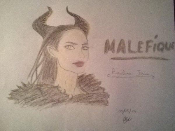 Dessin Angelina Jolie (Maléfique)