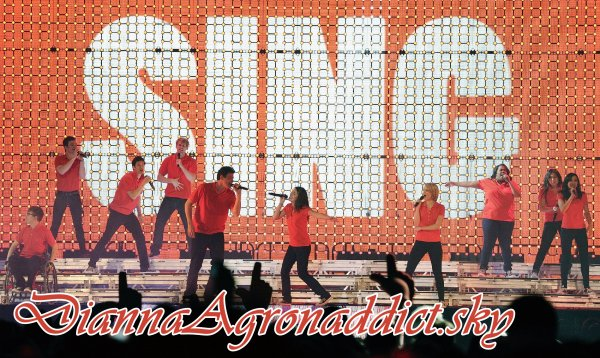 Le 25 juin 2011 - Glee Live! in Manchester.