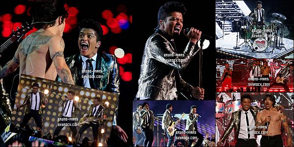 02/02/14 : Bruno a assurée comme prévu la mi-temps du « Super Bowl » au MetLife Stadium - (New-Jersey) !     • Comme prévu il était accompagné par le groupe The Red Hot Chilli Peppers où ils ce sont partager la scène et performé ensemble.