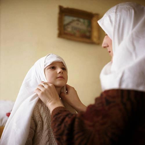 Myriam* Une jeune fille demande à sa mère :